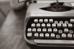 black-and-white-typewriter